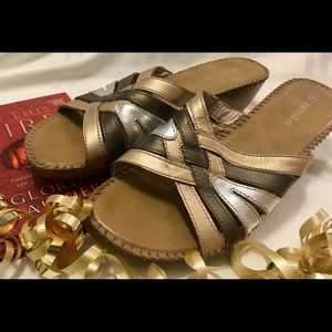 Sandals by St Johns Bay 9.5 Learher